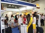 Café vietnamita atrae interés de visitantes en feria en Singapur