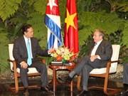 Premier vietnamita se reúne con Raúl Castro
