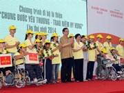 Premier en caminata en respaldo a discapacitados