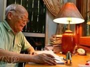 """Fallece To Hoai, gran figura literaria contemporánea de Vietnam El escritor To Hoai, autor de la conocida obra """"Las aventuras de un grillo"""" que ha acompañado a generaciones de niños vietnamitas, entró a la eternidad a los 94 años en Hanoi.  La desaparició"""