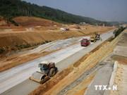 Insta vicepremier vietnamita a finalizar pronto autopista Noi Bai- Lao Cai
