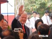 Expresidente de Estados Unidos Bill Clinton visita Vietnam