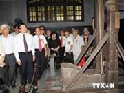 Presidente dialoga con exprisioneros en cárcel Hoa Lo