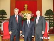 Secretario general del PCV recibe a senadores estadounidenses
