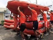 Al menos 70 desaparecidos por naufragio de ferry en Filipinas