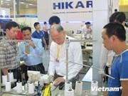 En Hanoi exposición internacional de aparatos textiles