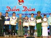 Bac Giang elogian sobresalientes educandos locales