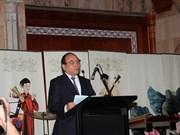 Vietnam y EAU promueven cooperación comercial