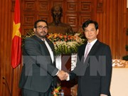 Premier vietnamita recibe a embajadores de Panamá y Bangladesh