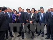 Dirigente vietnamita visita a constructores de terminal aérea internacional