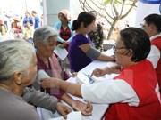 Gratuitas asistencias medicas a necesitados en Hanoi