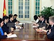 Vietnam pide apoyo continuo de Fondo Mundial en lucha contra VIH
