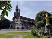 [Fotos] La única iglesia católica de madera en provincia altiplana de Kon Tum