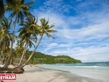 Vacaciones veraniegas en la playa Sao, isla de Phu Quoc