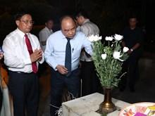 [Fotos] Premier Xuan Phuc rinde tributo a voluntarias caídas en encrucijada de Dong Loc