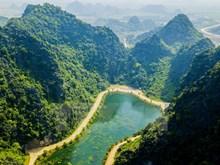 Impresionante belleza de la cueva Am Tien en la provincia de Ninh Binh