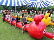 """[Fotos] Fiesta """"Paraíso de los gigantes"""" para niños en asueto de Día Nacional"""