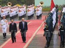 Presidente de Vietnam recibe a su homólogo estadounidense, Donald Trump