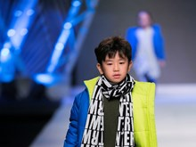 Presentan en Hanoi colección de moda de primavera-otoño 2017