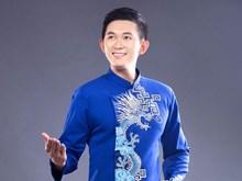 """Realizan en Hanoi presentación artística de  """"Ao dai"""" para hombres"""