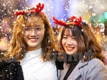 Ambiente navideño se apodera de Hanoi
