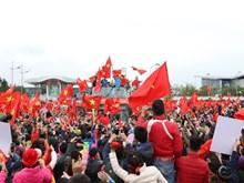 [Fotos] Vietnam en pie para dar bienvenida a sus gladiadores en rojo