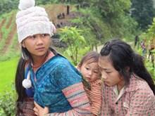 Residentes en provincia vietnamita de Lai Chau tras inundaciones