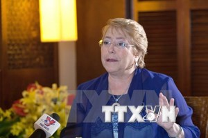 Presidenta chilena aprecia papel de Vietnam como país anfitrión del APEC 2017