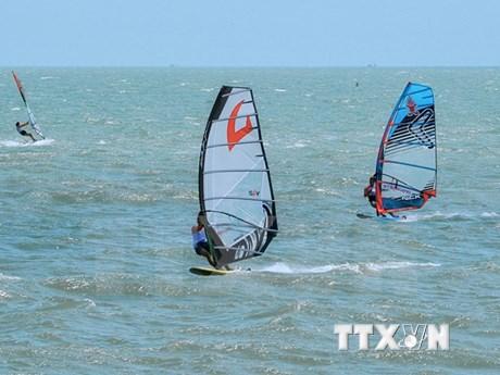 Concluye Torneo Internacional de Windsurf  en provincia vietnamita